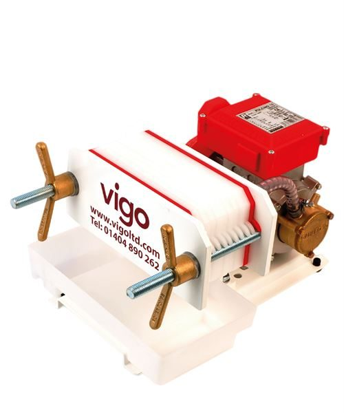 Vigo Filter 20 x 10cm with pump - NB 3m of 10mm bore clear braided hose & hose clips are supplied with this pump