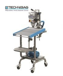 Bib'up Top 290 semi-manual filling machine for vacuum bags & pouches - NB Supplied with tilted stainless steel platform as standard, as opposed to the roller table shown